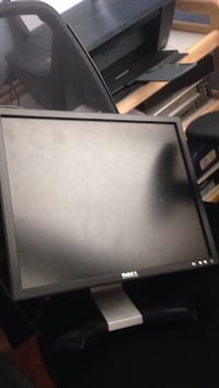 Computer monitor *cheep and need gone* Lower Sackville, B4C 2Y9