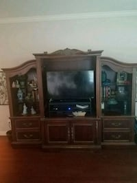 Entertainment Center Sugar Land, 77478