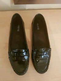 pair of black leather loafers Markham, L3T