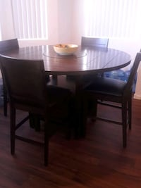 Beautiful Dinning table set. Dark wood.  Las Vegas, 89183