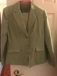 Woman's dress suit Welland
