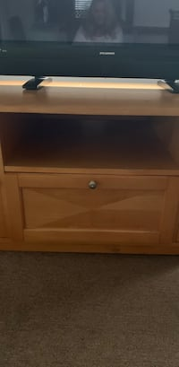 TV stand. 2 slide outs, one drawer Port Saint Lucie, 34952