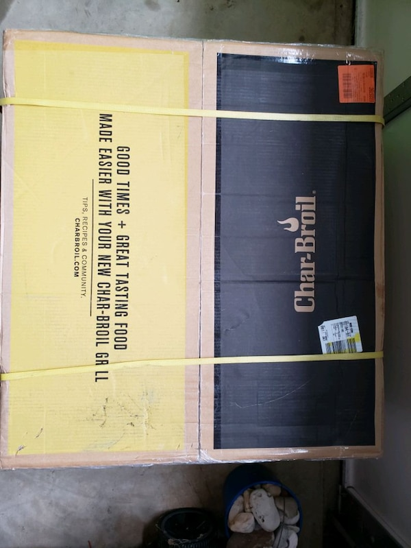 BRAND NEW in Box!! Char-Broil 4 Burner Gas Grill