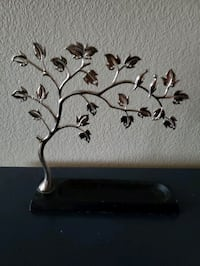 Earring Tree Anchorage, 99516