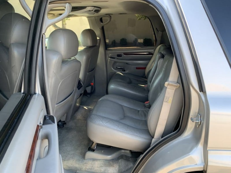 2005 CADILLAC ESCALADE LUXURY 9