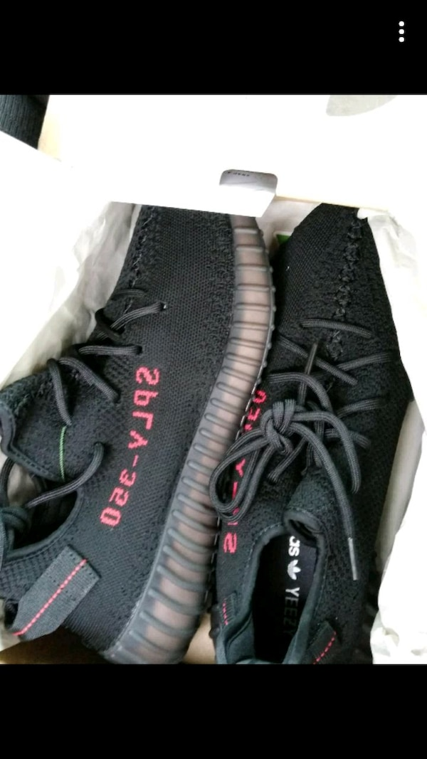 fd90f4af3 Used pair of black Adidas Yeezy Boost 350 V2 for sale in Milpitas ...