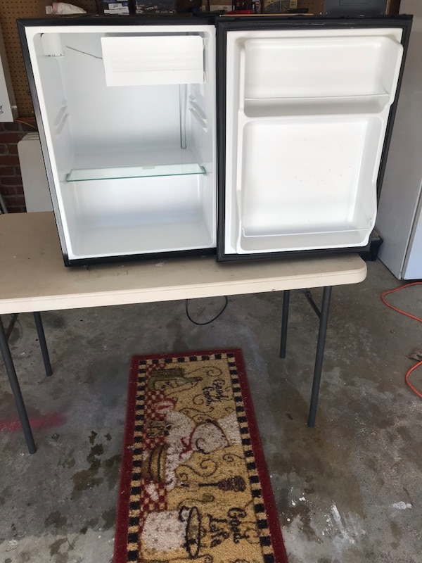 used mini fridge for sale in knightdale letgo. Black Bedroom Furniture Sets. Home Design Ideas