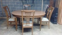 6ft table and 6 chairs with leaf  398 mi