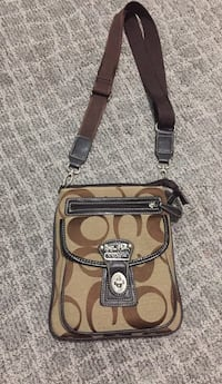 Brown and black coach monogram crossbody bag Langley Twp, V4W