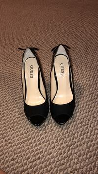High heel guess shoes  St Catharines, L2M 3P5