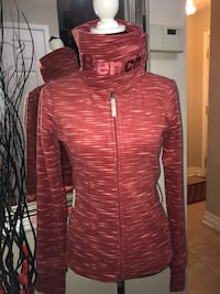 NWT Bench Funnelneck Zip Up Jacket