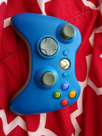 New blue and grey Xbox 360 controller 492 km