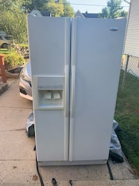Whirlpool side-by-side refrigerator Woodbury