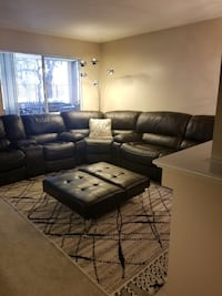 black leather sectional sofa with coffee table Thousand Oaks, 91362