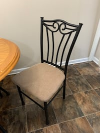 Dining room table with 4 matching chairs. Hendersonville, 37075