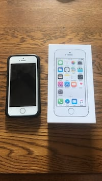 White iPhone 5 S 16 GB with Black case Pickering, L1V 1M1