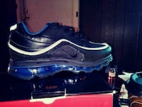 unpaired black Nike running shoe Greenville, 29611