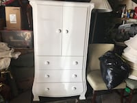 white wooden 3-drawer chest Ottawa, K1V