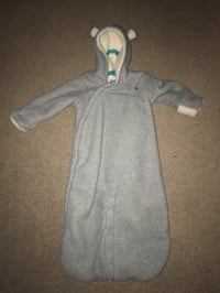 Gap gray baby suit zip- up hoodie Toronto, M5B 2H8