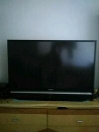 black flat screen TV with remote Whittier, 90602