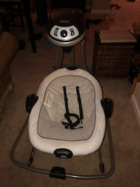 baby's white and black Graco cradle and swing West Sacramento, 95691