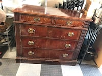 Mahogany table that holds a leaf and expands. Port Saint Lucie, 34983
