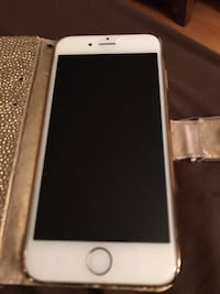 Gold iphone 6S Middletown, 10940