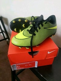 2Y Jr Nike Bravata soccer cleats.