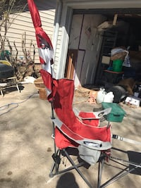 Red and black camping chair Des Moines, 50315