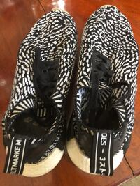 pair of black-and-white Adidas Yeezy Boost Houston, 77345
