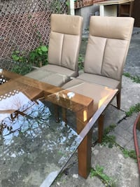 Gorgeous Solid Wood and Glass Table For Sale! Toronto, M3H 5R1