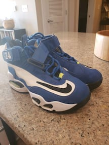 Nike Shoes size 5y