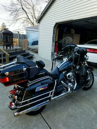 black and gray touring motorcycle Chicago, 60631