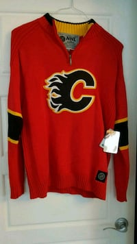 NEW Calgary Flames Sweater  3122 km