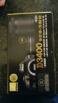 NIkon D3400 DLSR with extra zoom lens like new Arlington, 22206