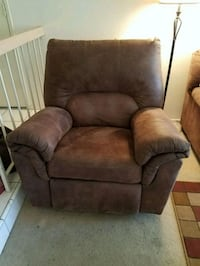 Recliner. Brown. Need to sell.  no damage.  Downsizing.  Need to sell