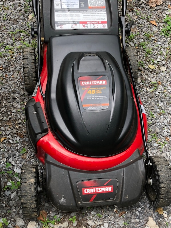 Cordless mower Craftsman 48volt  new batteries ( today)