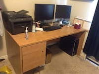 Solid wood desk with two drawers Wellesley, N0B 2T0