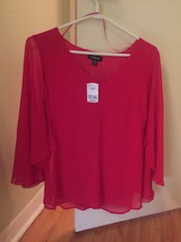 Le chateau blouse size small Toronto, M3A 2R4