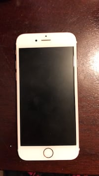 Rose gold iPhone 6s Irving, 75060