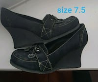 Ladies wedge shoes size 7.5 worn only once  Brampton, L6W 1V2