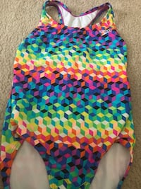 Speedo girls swim suit sz 12 Martinsburg, 25404