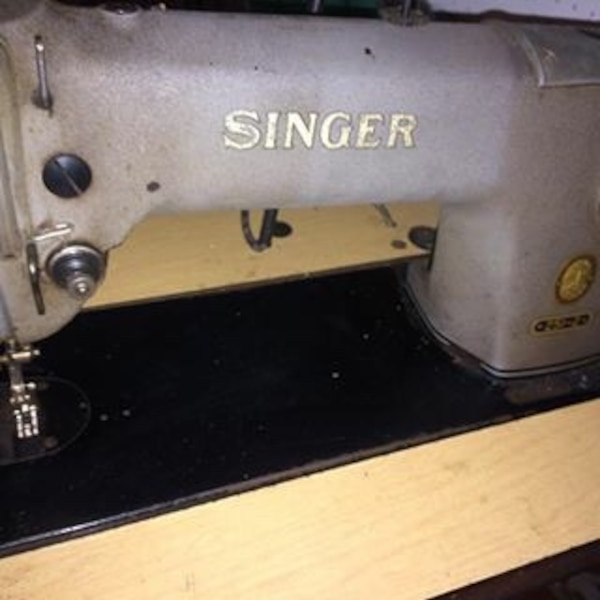 Used SINGER 4040 INDUSTRIAL SEWING MACHINE LEATHERCANVAS Unique Antique Singer Upholstery Sewing Machine