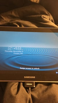 Samsung tablet 10in tab 3 like new