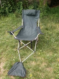 camping chair with footrest  Queens, 11412