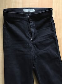 Jean jeggings by Top-shop Moro, black Ladies 26/30, XS -$5 Mississauga Mississauga, L5L 5P5