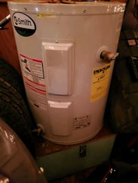 A O Smith electric 30 gallon low boy hot water hea