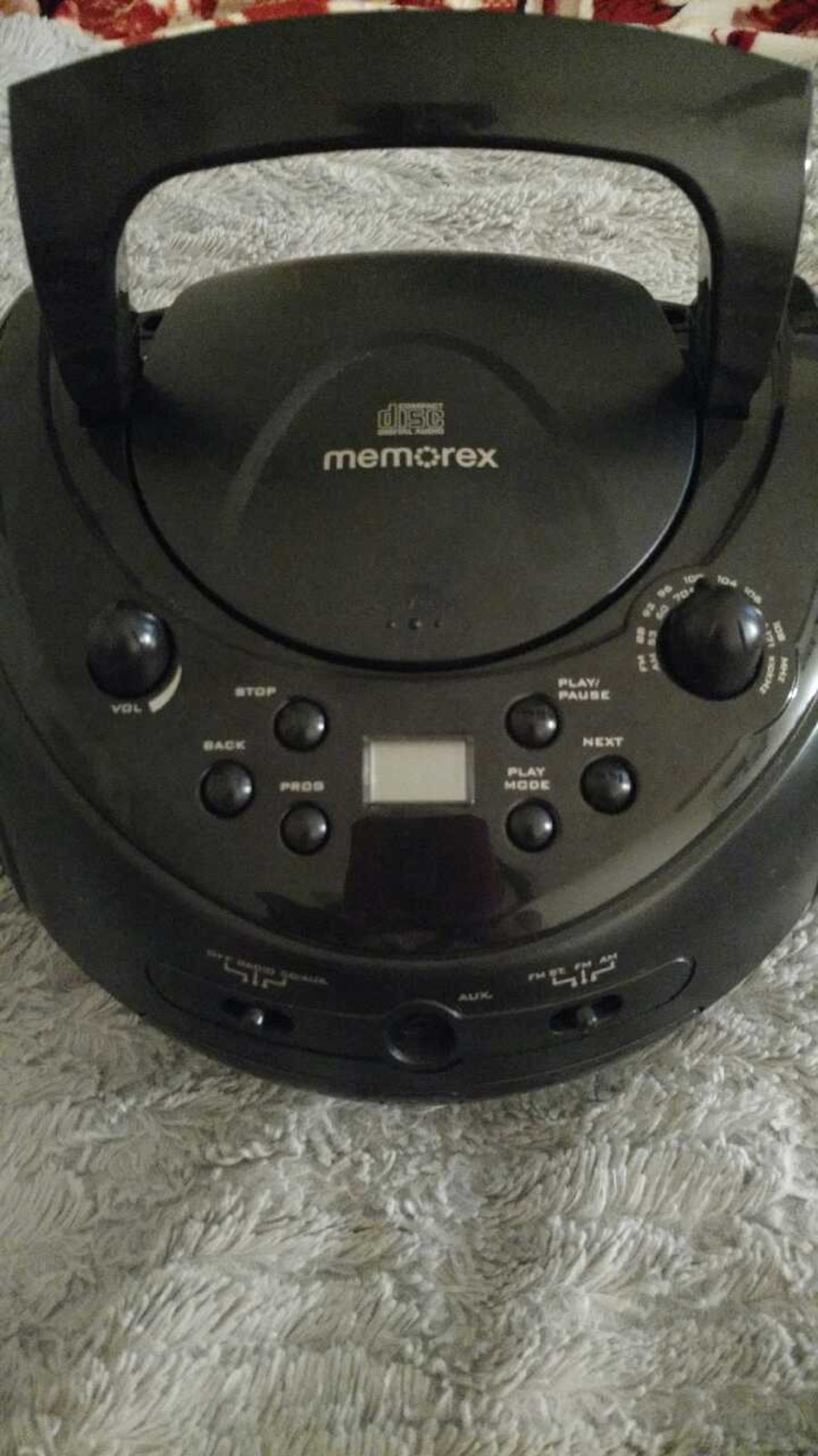 943561 6 further Memorex Retro 1950s Style Car Radio Design Am FM Stereo Radio CD Player MTT3200 together with 182376582223 likewise 121009916997 likewise Auna Retro Kofferradio Vintage Look Ukw Usb Mp3 Uhr Cd Player Tragbar Rcd 70 518125608. on memorex cd player