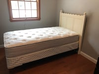 Pottery Barn headboard/twin matress Central Square, 13036