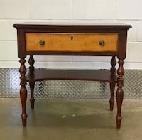 Entry Stand/Table - Bassett Furniture 26 mi